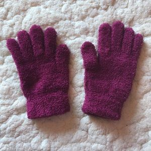 Accessories - Maroon super soft fluffy gloves